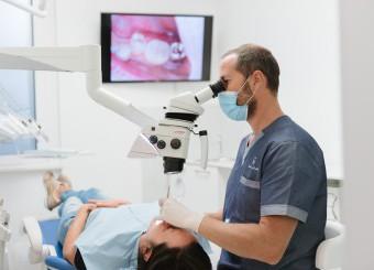 Dalle cure basi alla protesi: precisione, competenza, garanzia