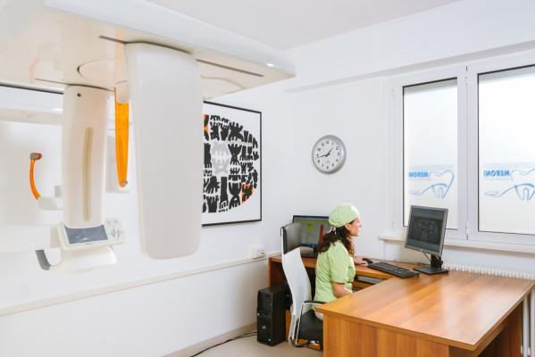 Tecnologie avanzate (TAC, Laser) e orari flessibili per i nostri pazienti