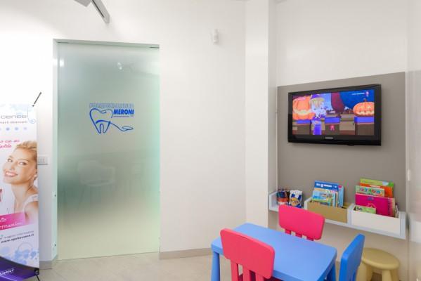 Odontoiatria infantile per la cura dentale dei bambini presso lo studio dentistico Polispecialistico Meroni